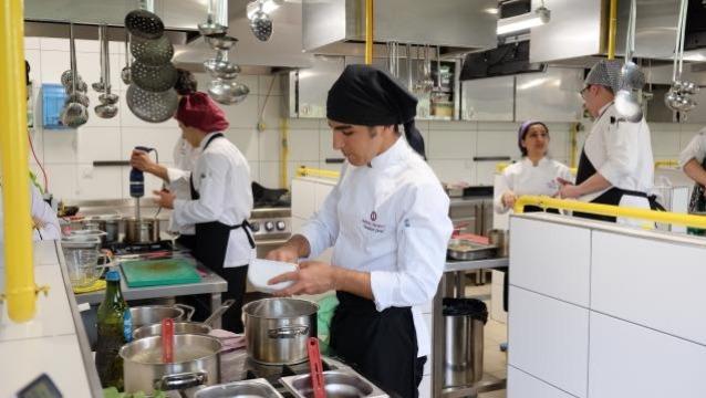AÜ Gastronomi ve Mutfak Sanatları Bölümü'nden sektörün ihtiyaçlarına cevap veren eğitim anlayışı