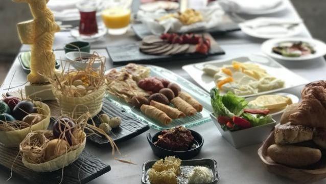 Paskalya Ruhunu Conrad İstanbul Bosphorus'un kahvaltısıyla yaşayın