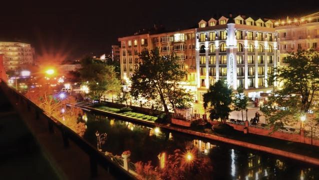 SennaCity Hotel, Eskişehir keşfinizi manzarasıyla taçlandırıyor